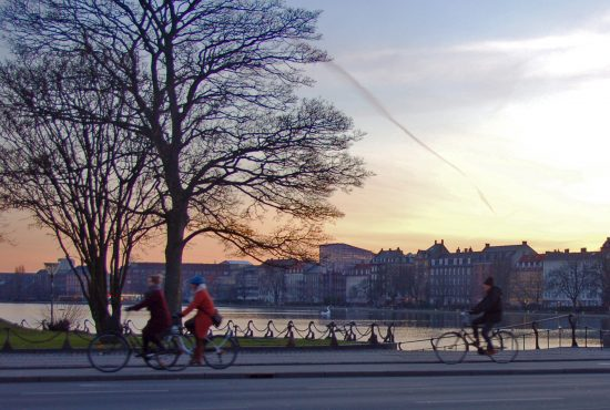 City cycling, urban mobility and happiness