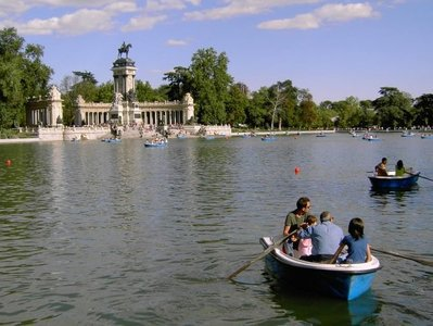 Cycling in Buen Retiro Park