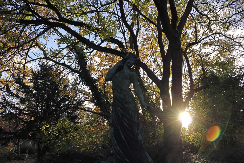 Statue in Assistens Kirkegaard, Copenhagen
