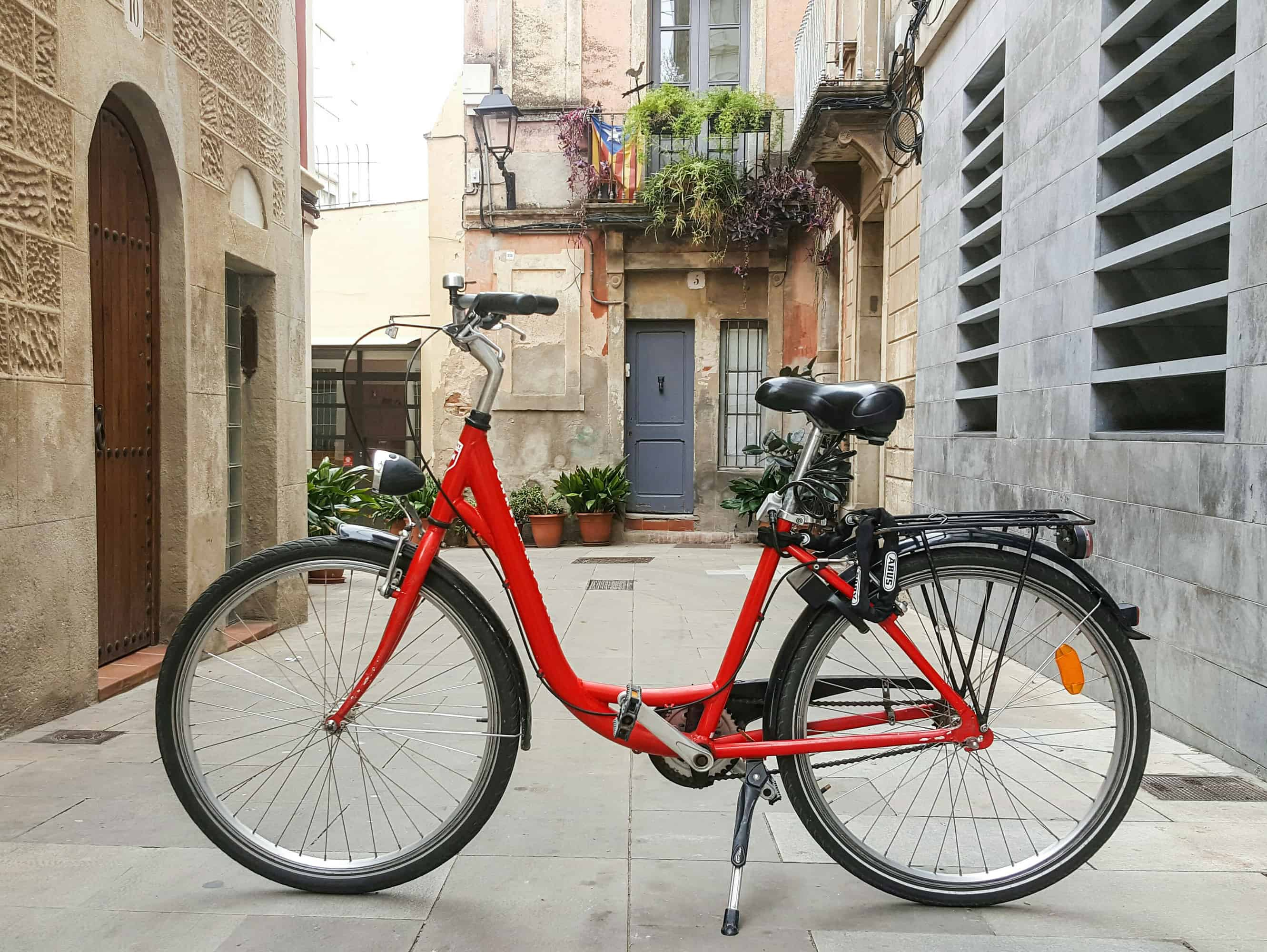 Barcelona barrios - A bike in a little street Sarria