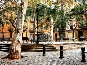 Barcelona barrios - A peaceful little square in Sarrià