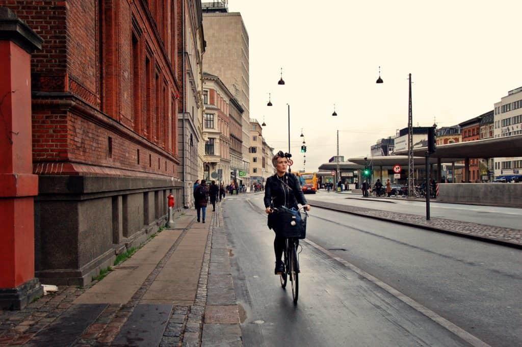 Copenhagen by bike - Sabina Fratila (cc)