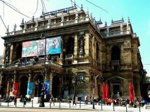 opera house budapest bike tour