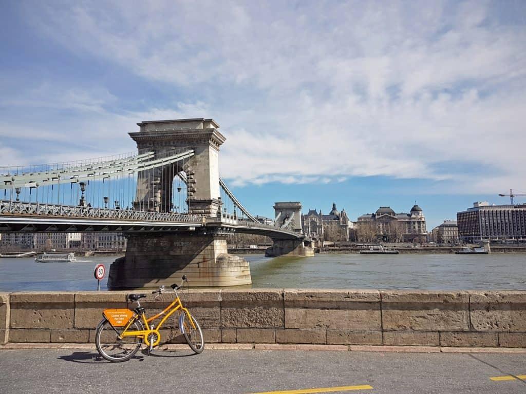 bridges budapest chain bridge