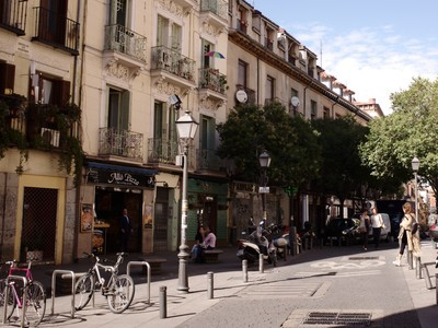 Cycling in Malasaña