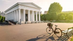Explore Vienna on a bike