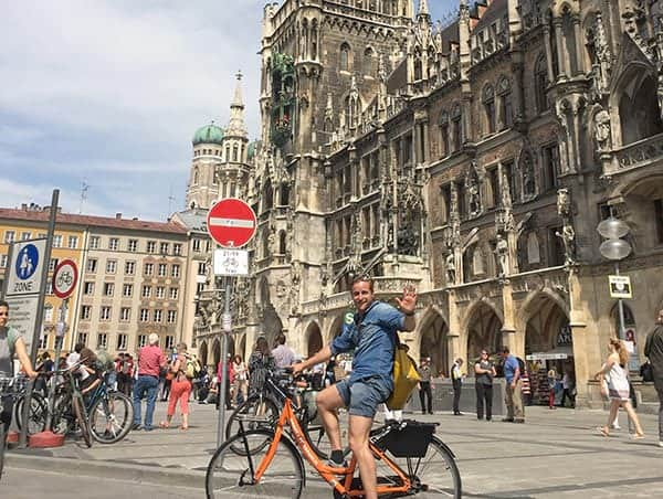 Montar en bici por la Vieja Ciudad