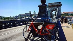 Budapest MyCityHighlight Donkey Republic bike Chain bridge