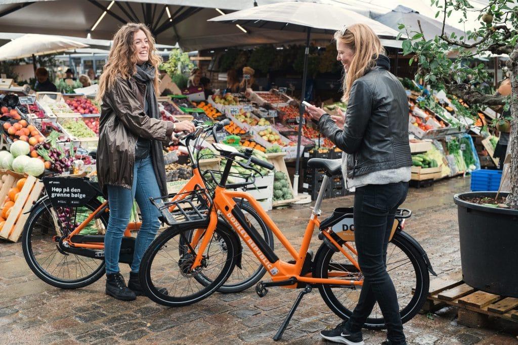 Donkey REpublic Bikes girls market